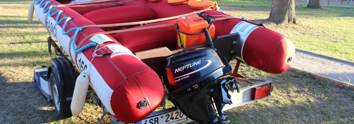 Nový člun pro dobrovolné hasiče